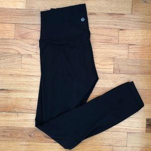 Almost new Lululemon 7/8 Align Pant BLACK size 4